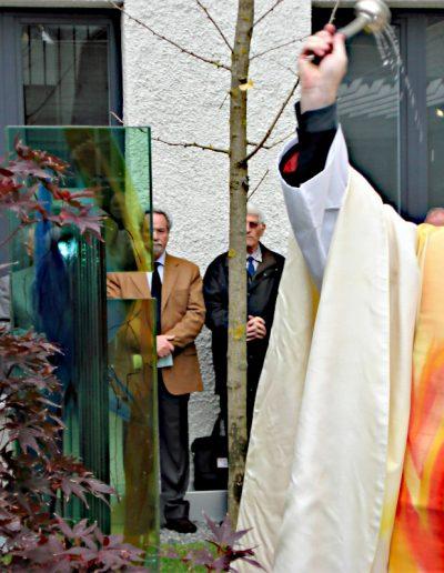 Bischof Dr. Scheuer bei der Weihe der Josef King Gedenkstele © Gert Schlegl
