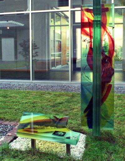 Kosef King Gedenkstele - Malerei mit keramischen Schmelzfarben © Gestaltung: Hilde Chistè, © Aufnahme: Dorfstetter