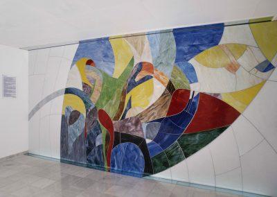 Glaswandgestaltung im Aufbahrungsraum der Privatklinik Hochrum - Opaqueglas © Gestaltung Hilde Chistè © Aufnahme Lackner