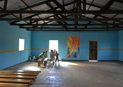 Neue Kirche in Chiponde - Pfingstbild mit umlaufendem Motivband - Wandmalerei © Hilde Chistè