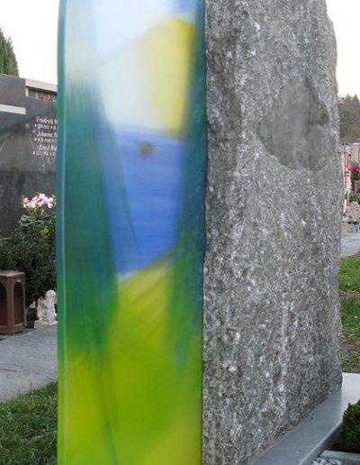 Naturstein in Verbindung mit Glaselement © Hilde Chistè