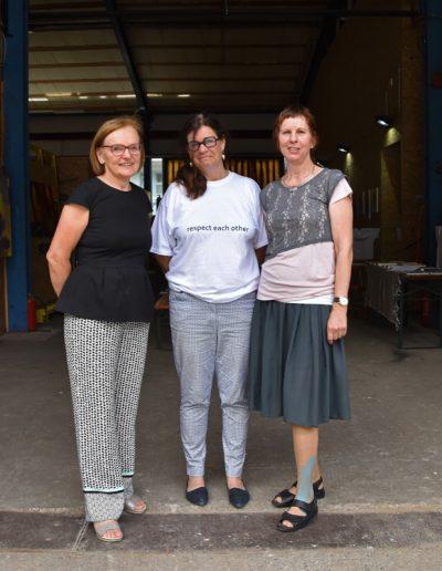 Eva M. Huter, Helga Madera und Hilde Chistè stellten gemeinsam im KUNST OFF space aus © Kendlbacher