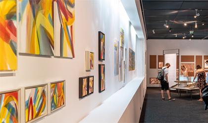 Einblicke in die Ausstellung Erinnerungen an Äthiopien - Lalibela Bilder von Hilde Chistè © Markus Ocvirk