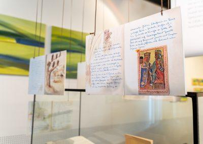 Einblicke in die Ausstellung Erinnerungen an Äthiopien - Texte von Dr. Huber - Bilder der Savanen von Hilde Chistè © Markus Ocvir