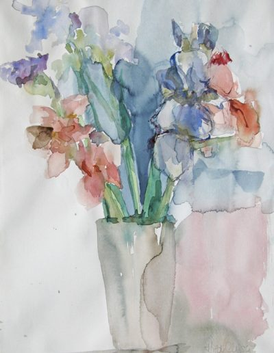 9 Irisblüten in Vase-Aquarell © Hilde Chistè